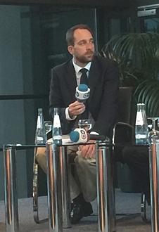 Bild Ludwig Schulz bei der DTG Podiumsdiskussion