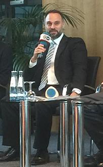 Bild Fatih Zingal bei der DTG Podiumsdiskussion